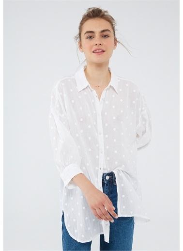 Mavi Beyaz Gömlek Beyaz